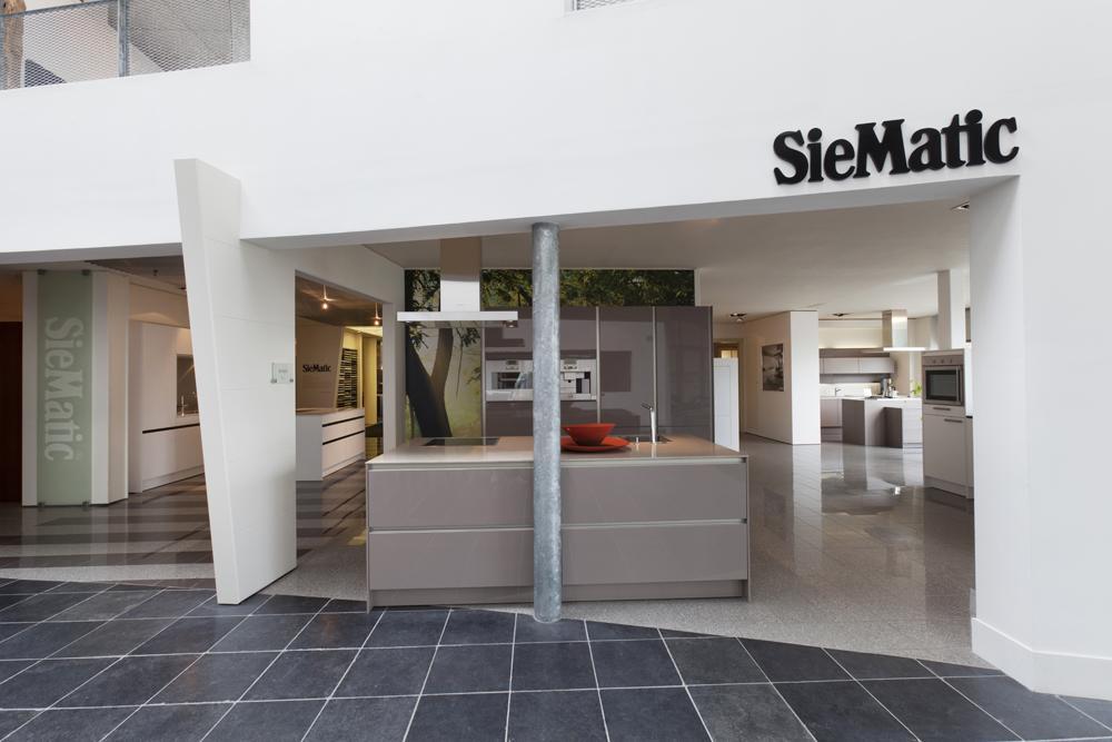 Siematic Keuken Renoveren : design keuken of uw huidige renoveren? Is de apparatuur in uw keuken